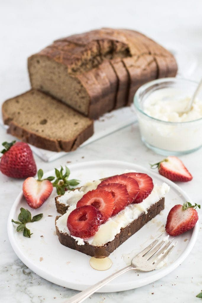 This paleo almond butter bread is what your breakfast routine has been missing. With only 6 ingredients and one bowl, you can whip up this grain-free, gluten-free recipe in no time at all! #bread #breakfast #simplerecipe
