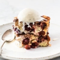 Upside-down cranberry cake with vanilla ice cream