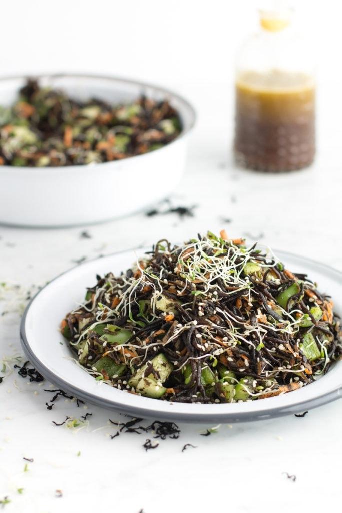 seaweed-vegetable salad with ginger-lemon dressing